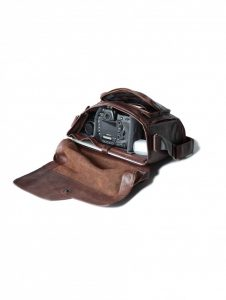 compagnon_messenger_dark_brown_107-6-6_open